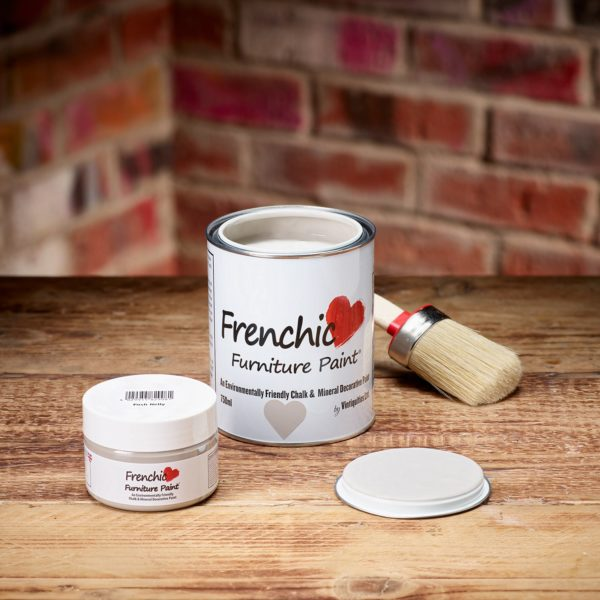 Frenchic_Furniture_Posh_Nelly_paint